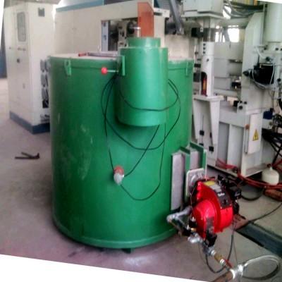 燃氣式坩堝熔化爐供應燃氣熔鋁爐價格燃氣保溫爐廠家